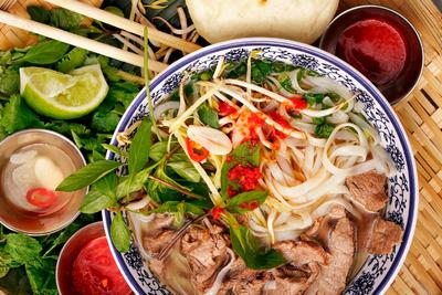 В'єтнамський та Китайський Привіт на KFM